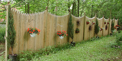picket privacy fence design by Elyria Fence