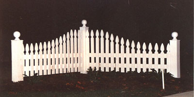 gothic picket fence design by Elyria Fence