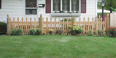 provincial picket fence design by Elyria Fence