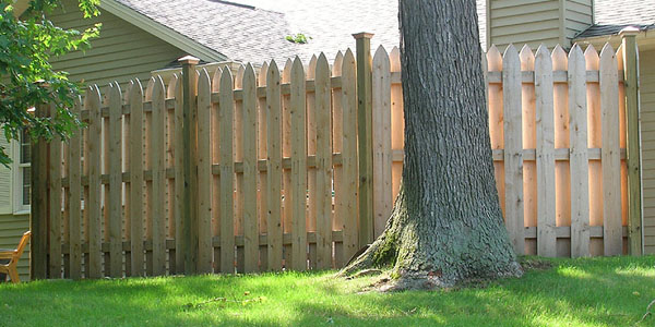 Picket Shadowbox Fencing built by Elyria Fence Company