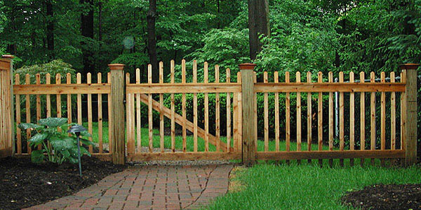 Good Neighbor Cedar Boston Picket Fencing by Elyria Fence