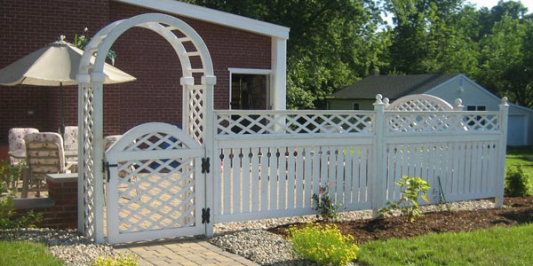 Good Neighbor Cedar Semi-Privacy Fencing with lattice by Elyria Fence