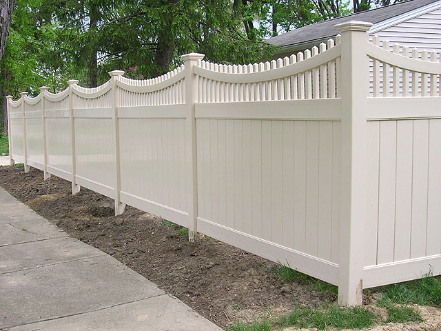 Vinyl Privacy Fence by Elyria Fence