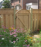Good Neighbor Board On Board Fence With Square Lattice