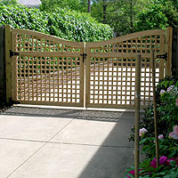 Scalloped Lattice Double Wood Gate By Elyria Fence